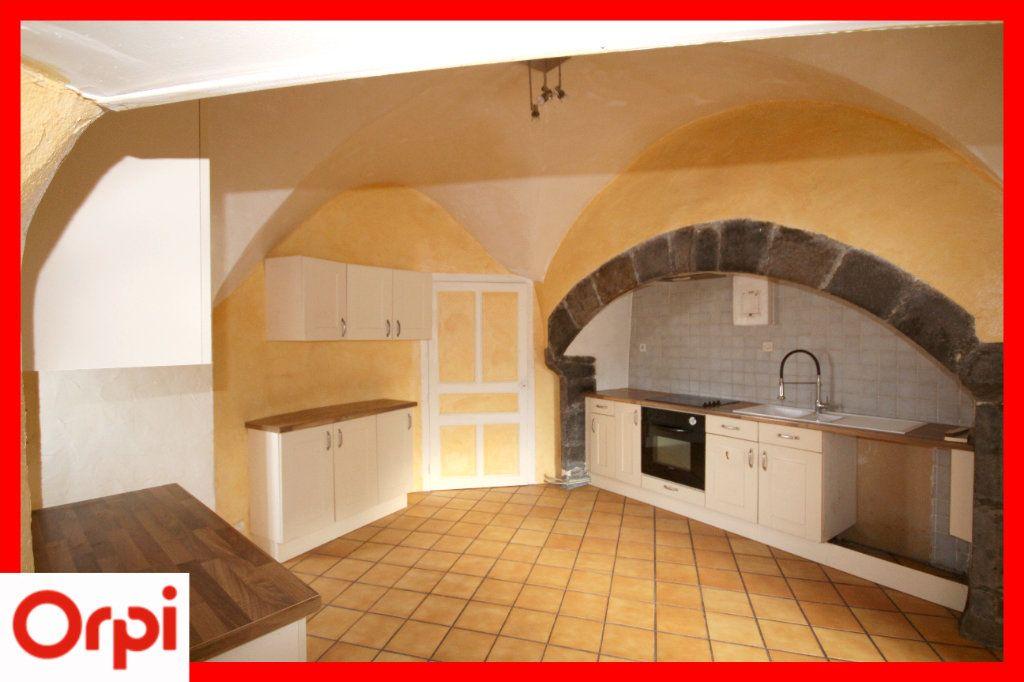 Maison à vendre 4 104m2 à Solignat vignette-3