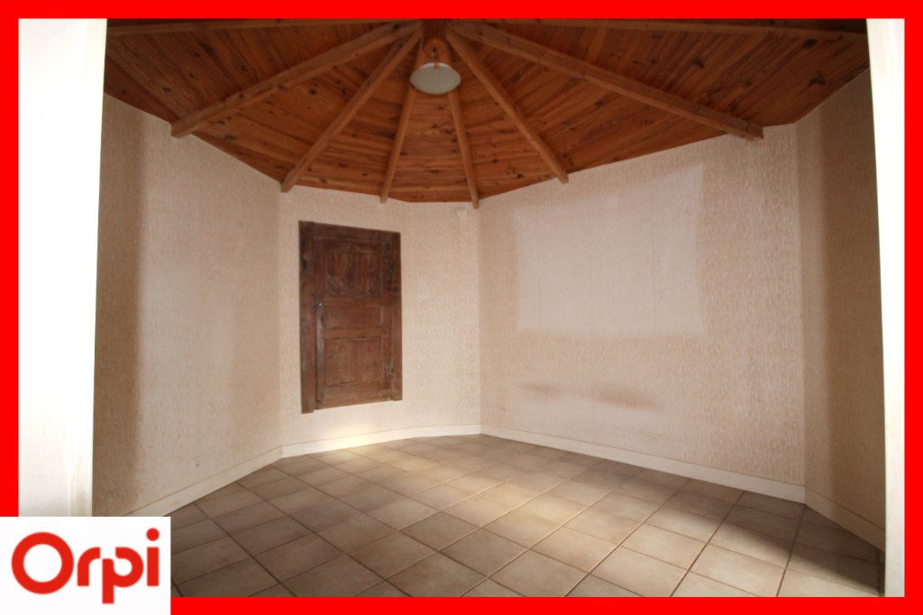 Maison à vendre 4 104m2 à Solignat vignette-6