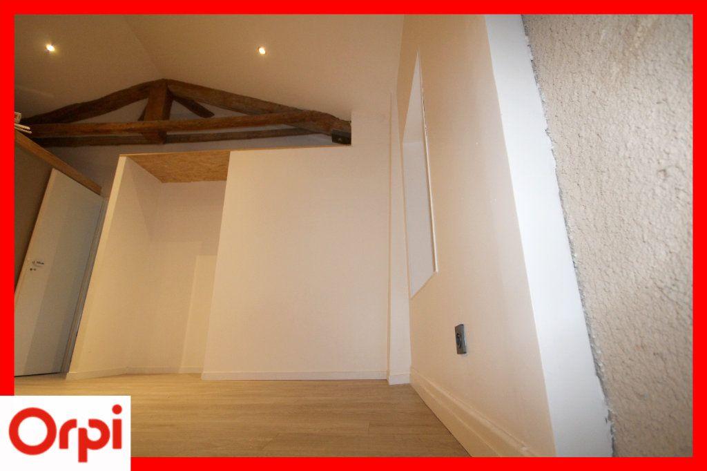 Maison à vendre 4 104m2 à Solignat vignette-7