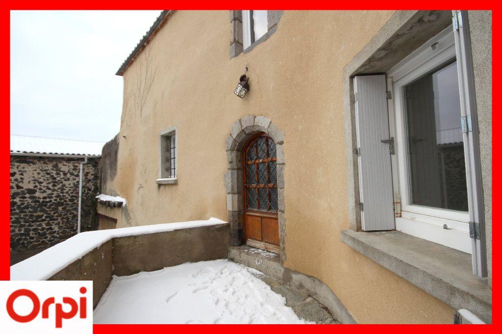 Maison à vendre 4 104m2 à Solignat vignette-11