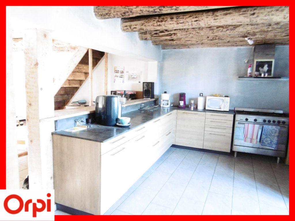 Maison à vendre 6 140m2 à Chaumont-le-Bourg vignette-3