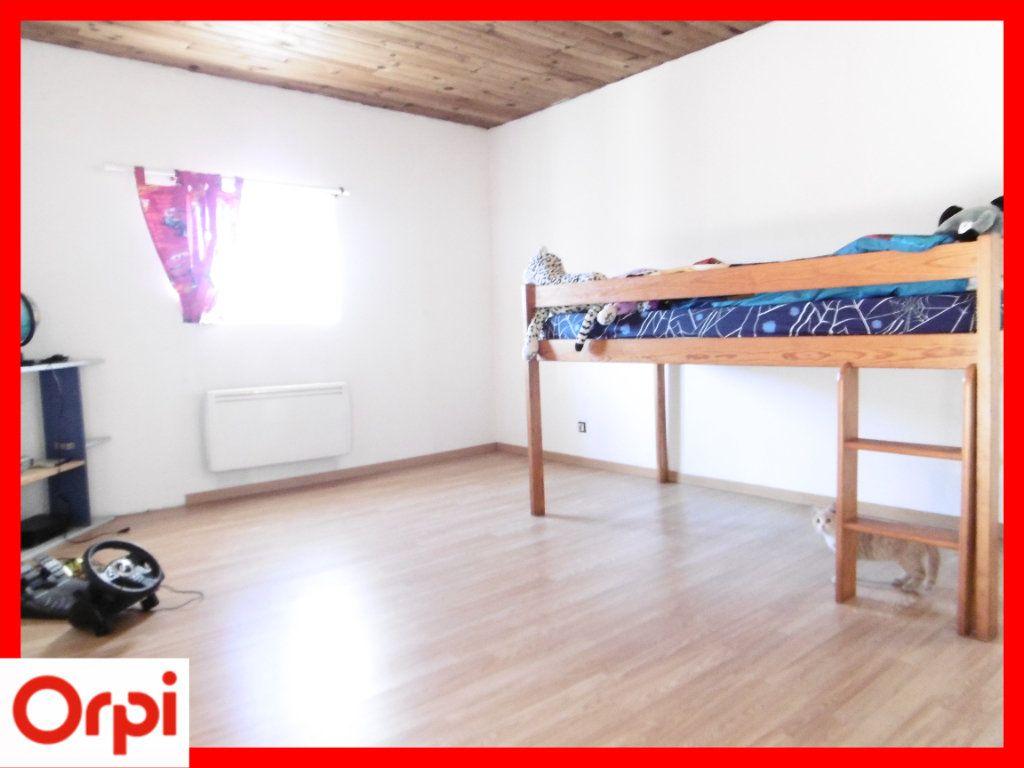 Maison à vendre 6 140m2 à Chaumont-le-Bourg vignette-6