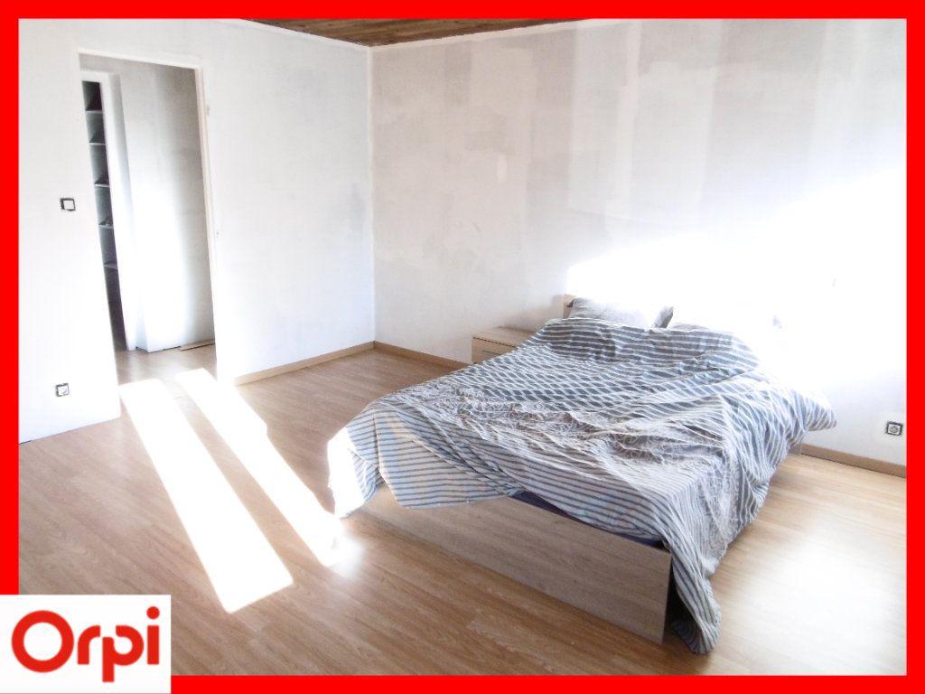 Maison à vendre 6 140m2 à Chaumont-le-Bourg vignette-7