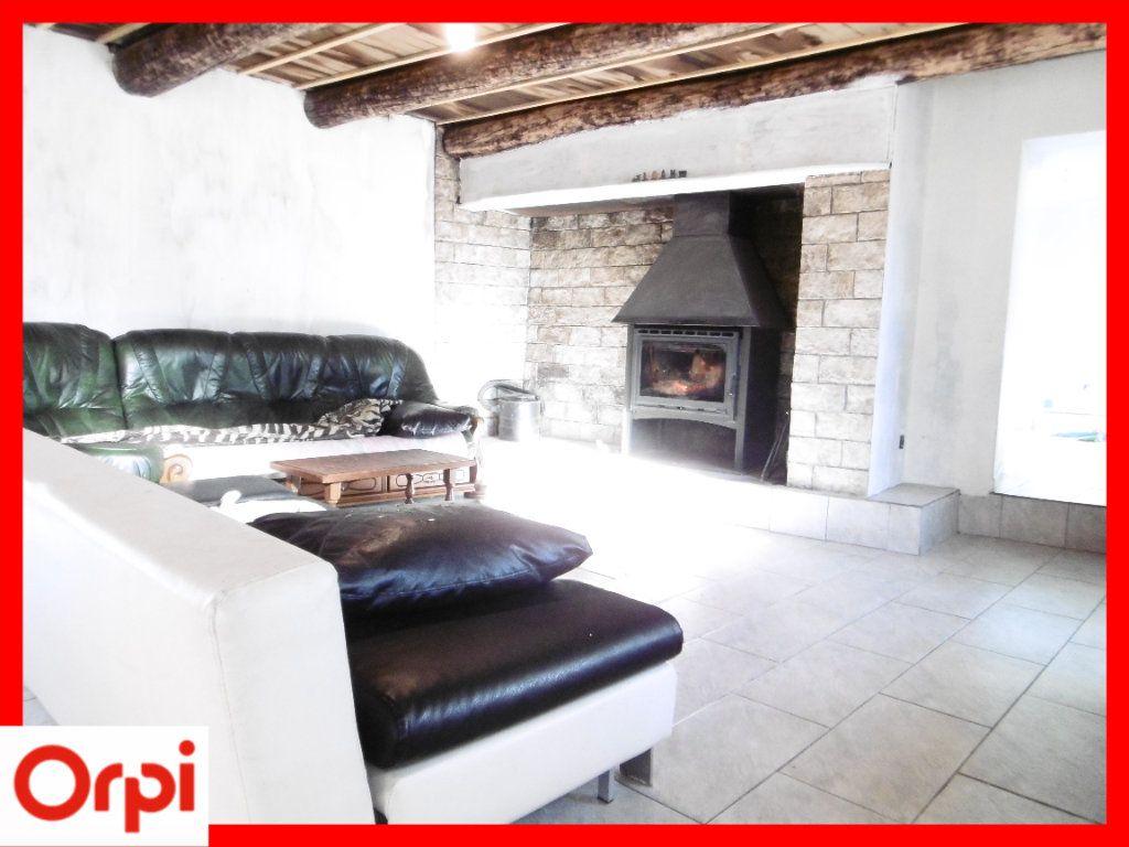 Maison à vendre 6 140m2 à Chaumont-le-Bourg vignette-10