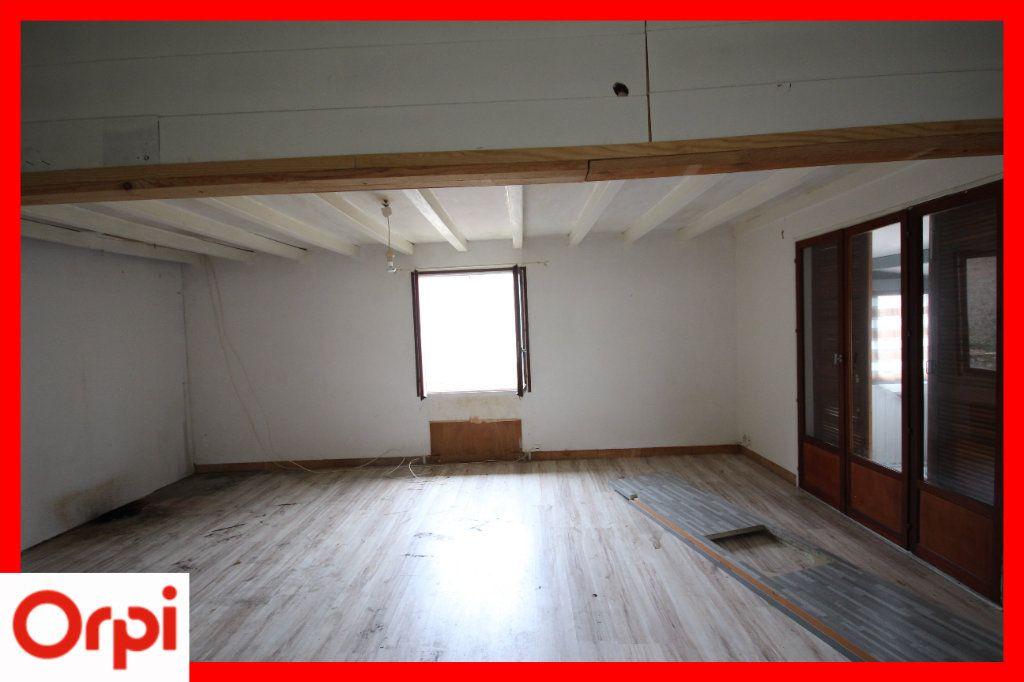 Maison à vendre 4 63.25m2 à Ardes vignette-4