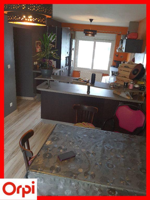 Maison à vendre 5 111.6m2 à Marsac-en-Livradois vignette-5