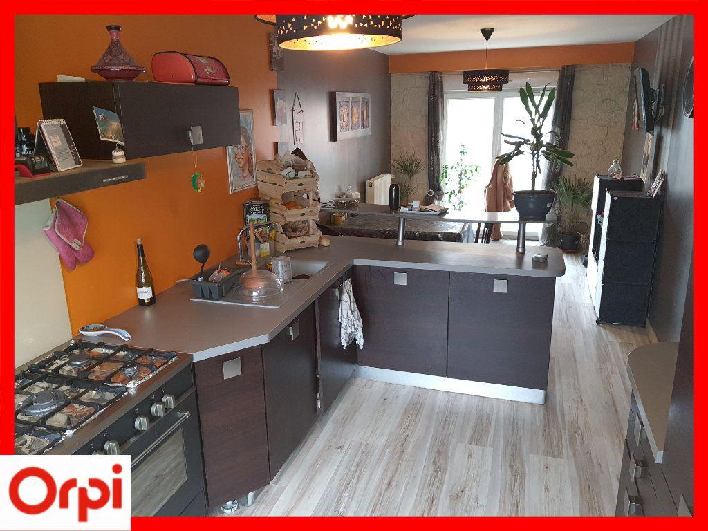 Maison à vendre 5 111.6m2 à Marsac-en-Livradois vignette-6