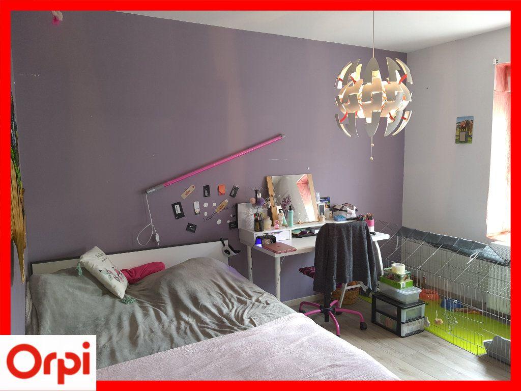 Maison à vendre 5 111.6m2 à Marsac-en-Livradois vignette-9