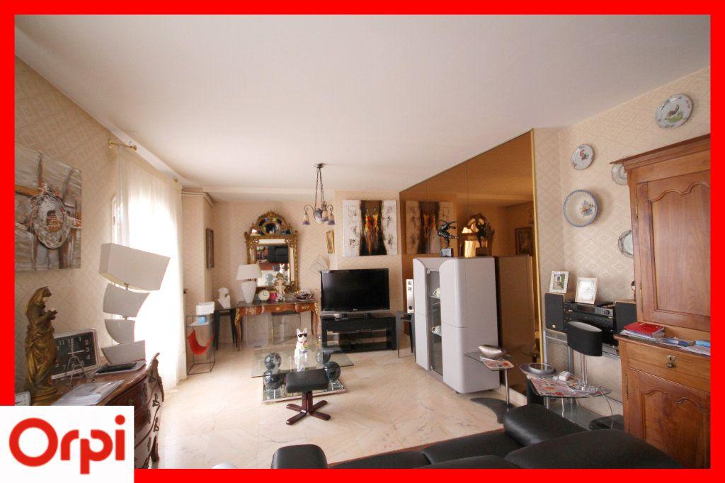 Maison à vendre 8 177m2 à Issoire vignette-3