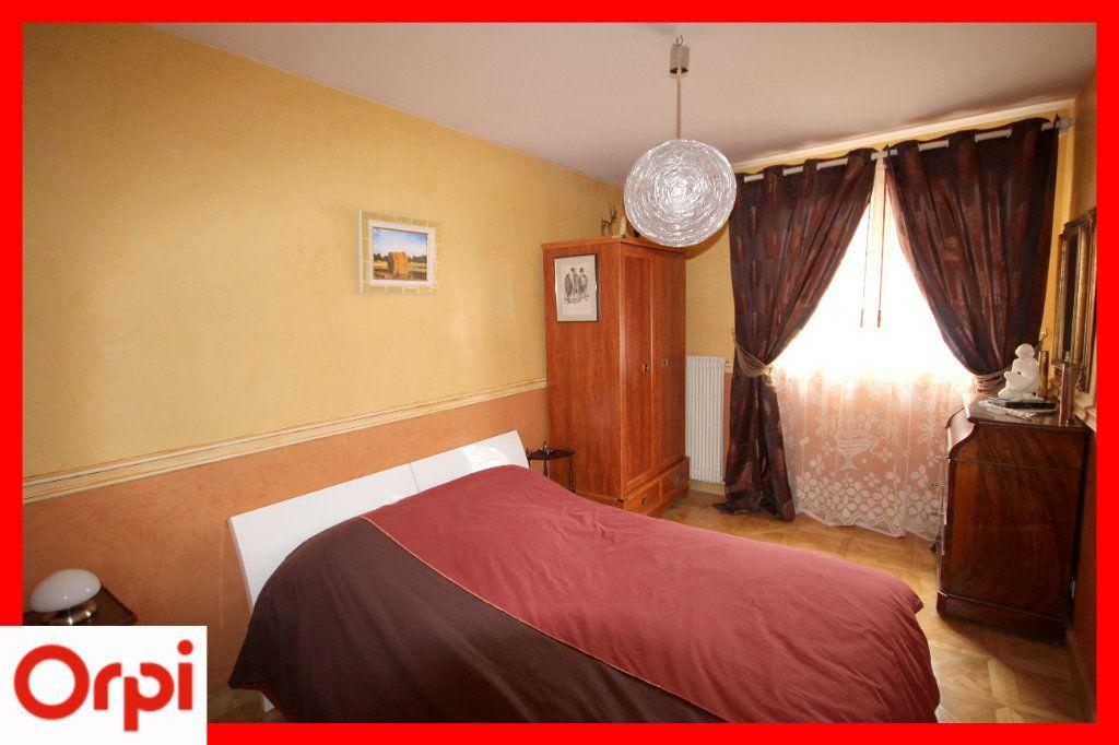 Maison à vendre 8 177m2 à Issoire vignette-6