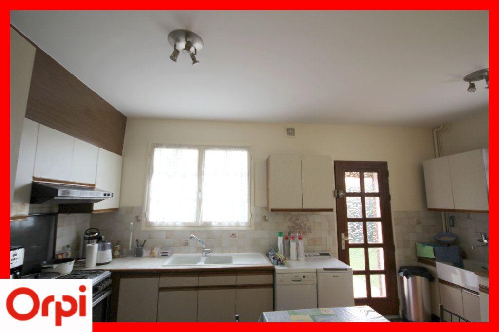 Maison à vendre 8 177m2 à Issoire vignette-8