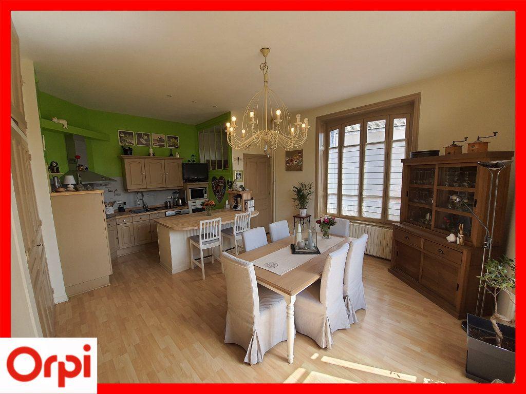 Maison à vendre 15 308m2 à Marsac-en-Livradois vignette-4