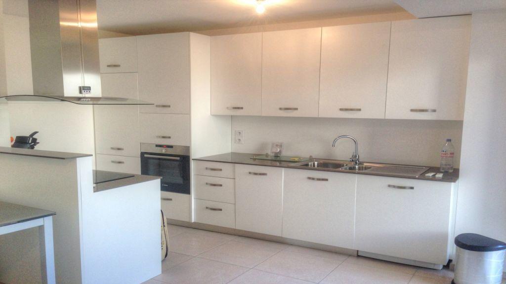 Appartement à louer 2 43m2 à Golfe Juan - Vallauris vignette-2