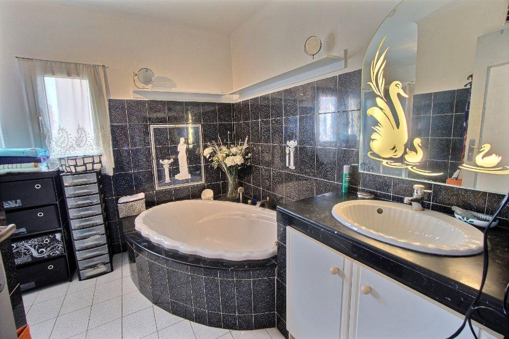 Appartement à vendre 3 87m2 à Golfe Juan - Vallauris vignette-8