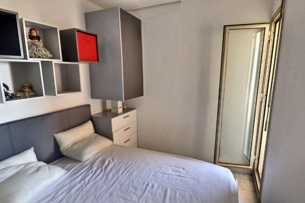 Appartement à louer 2 32m2 à Golfe Juan - Vallauris vignette-4