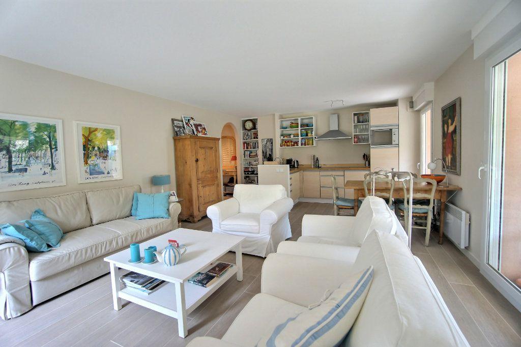 Appartement à vendre 3 73m2 à Golfe Juan - Vallauris vignette-2