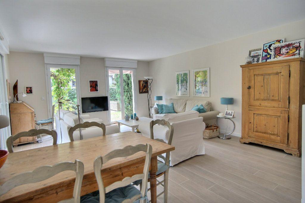 Appartement à vendre 3 73m2 à Golfe Juan - Vallauris vignette-4