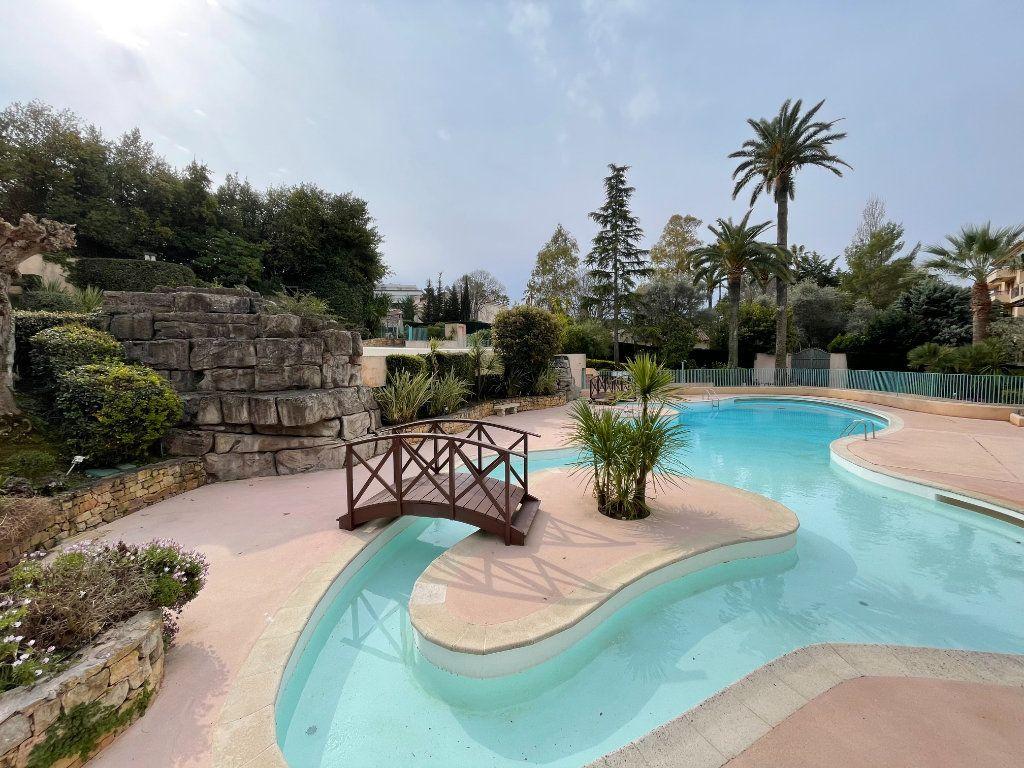 Appartement à vendre 2 56m2 à Cannes vignette-2