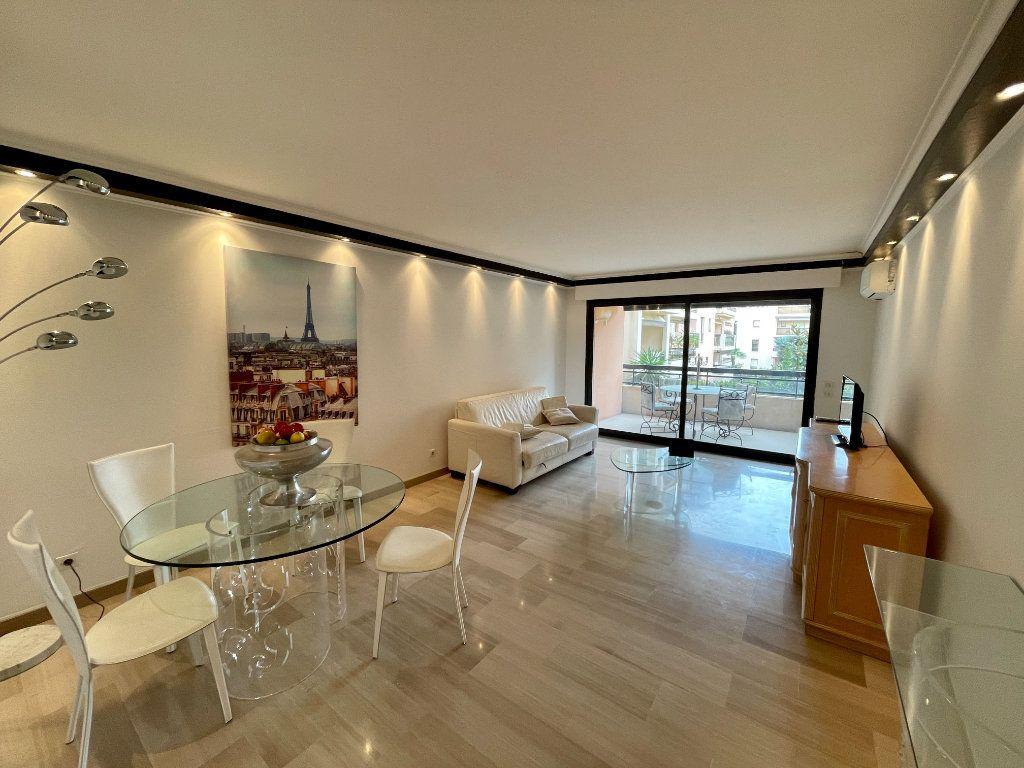 Appartement à vendre 2 56m2 à Cannes vignette-4