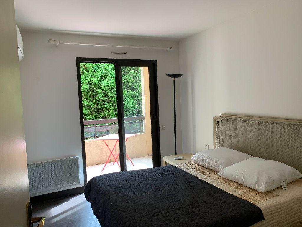 Appartement à vendre 2 56m2 à Cannes vignette-5