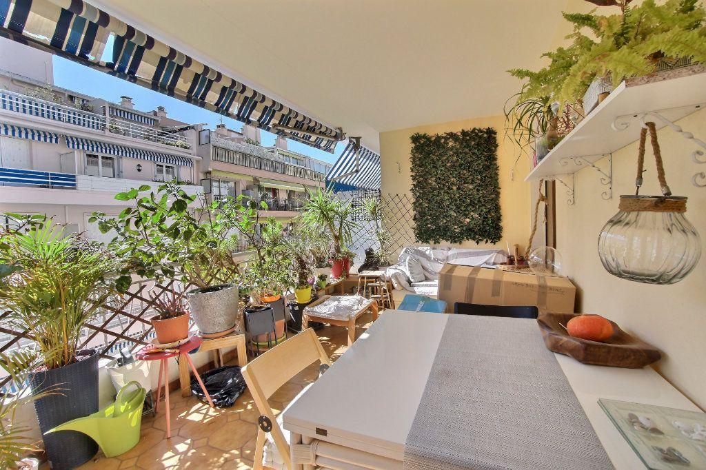 Appartement à vendre 3 88m2 à Antibes vignette-1