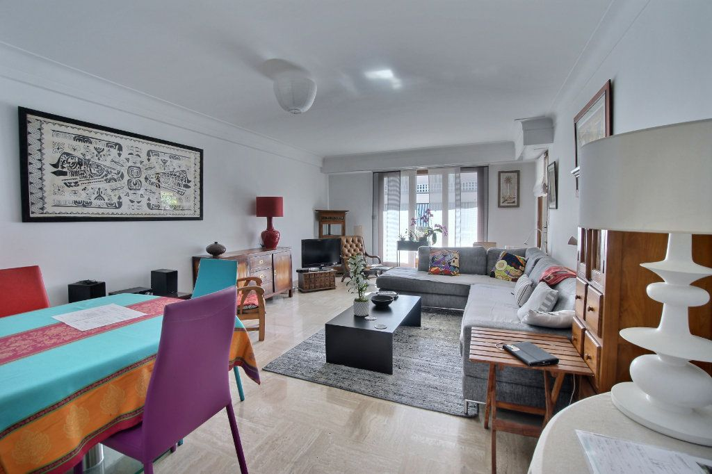 Appartement à vendre 3 88m2 à Antibes vignette-2