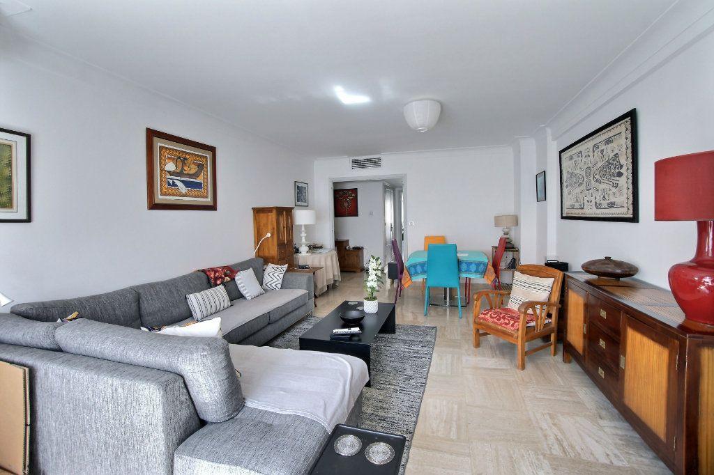 Appartement à vendre 3 88m2 à Antibes vignette-4