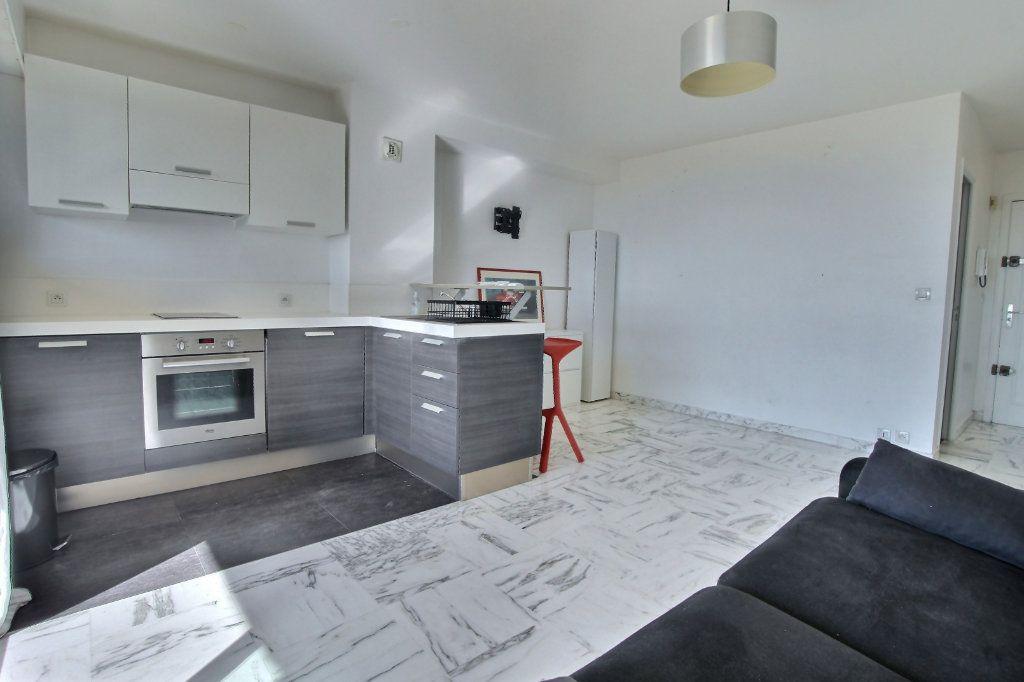 Appartement à vendre 1 27.7m2 à Villeneuve-Loubet vignette-3