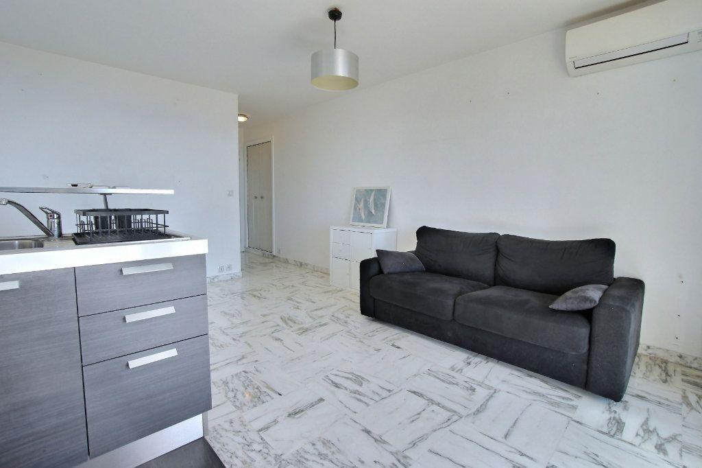 Appartement à vendre 1 27.7m2 à Villeneuve-Loubet vignette-5