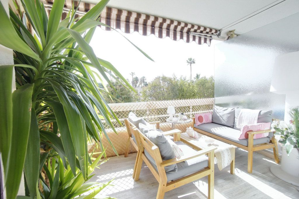 Appartement à vendre 3 63m2 à Golfe Juan - Vallauris vignette-2