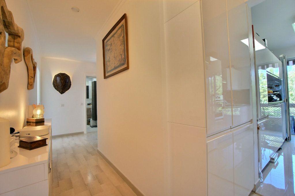 Appartement à vendre 3 63m2 à Golfe Juan - Vallauris vignette-3