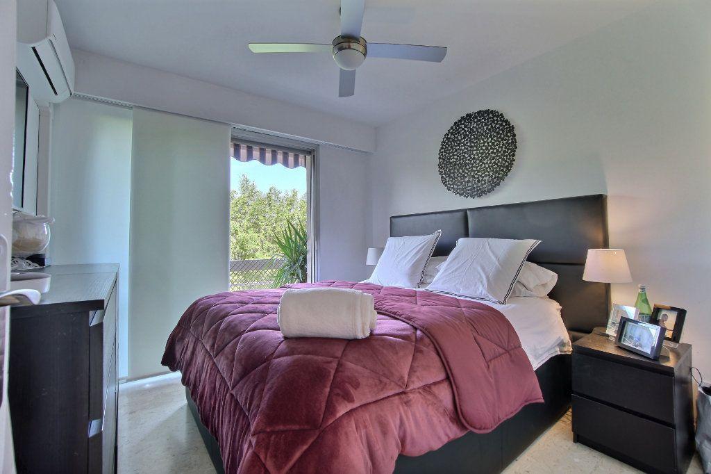 Appartement à vendre 3 63m2 à Golfe Juan - Vallauris vignette-6