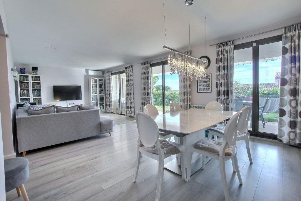 Appartement à vendre 4 106.62m2 à Villeneuve-Loubet vignette-2
