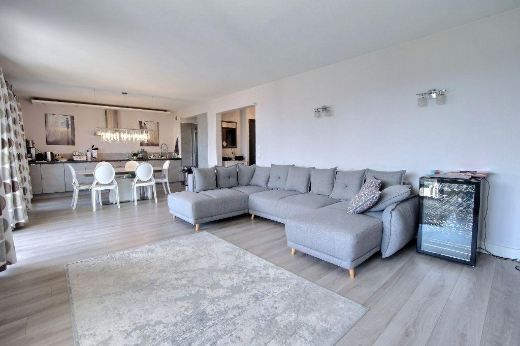 Appartement à vendre 4 106.62m2 à Villeneuve-Loubet vignette-4