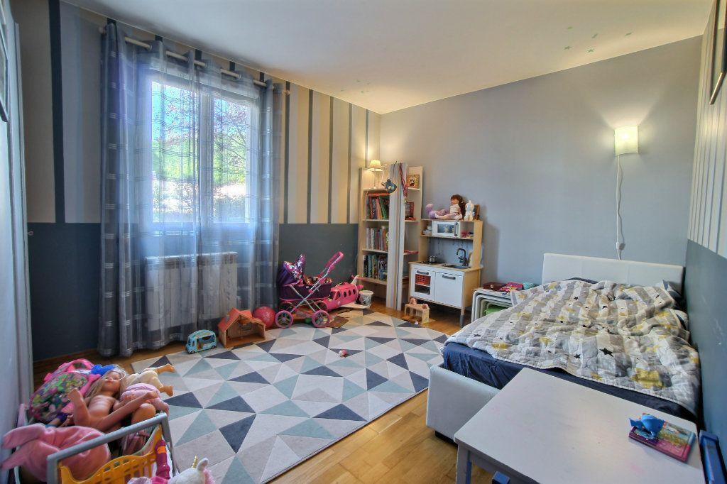 Appartement à vendre 4 106.62m2 à Villeneuve-Loubet vignette-6