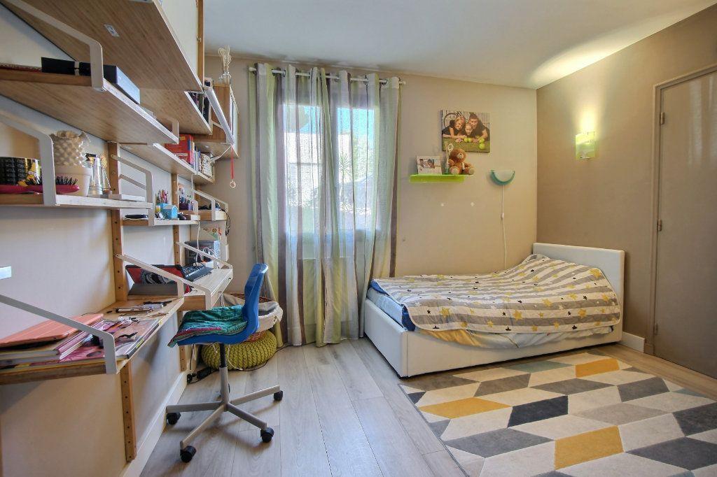 Appartement à vendre 4 106.62m2 à Villeneuve-Loubet vignette-7