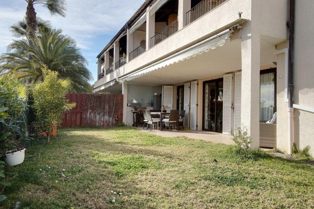 Appartement à vendre 4 106.62m2 à Villeneuve-Loubet vignette-9