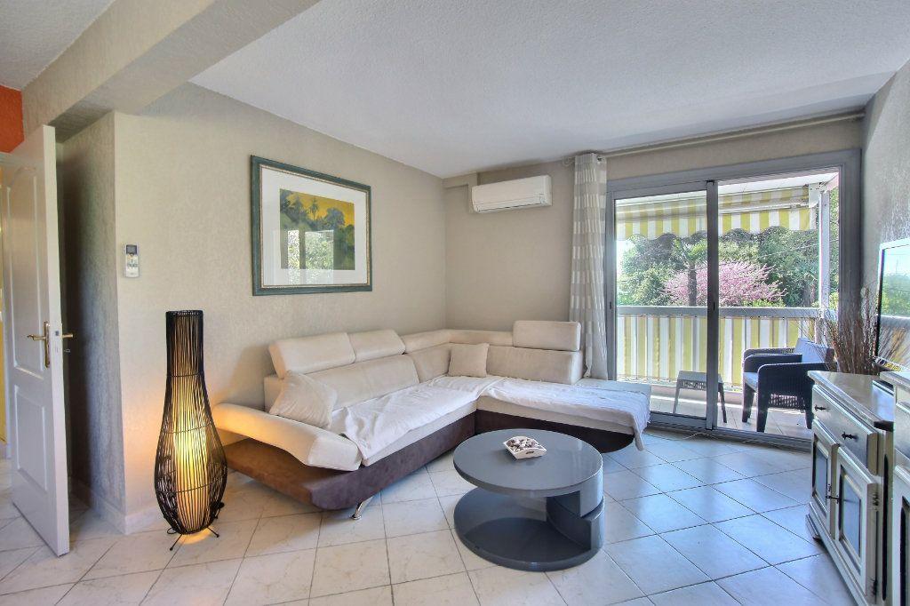 Appartement à vendre 3 60m2 à Antibes vignette-1
