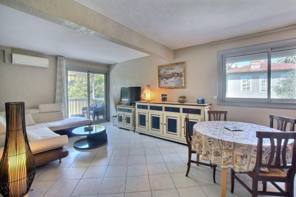 Appartement à vendre 3 60m2 à Antibes vignette-2