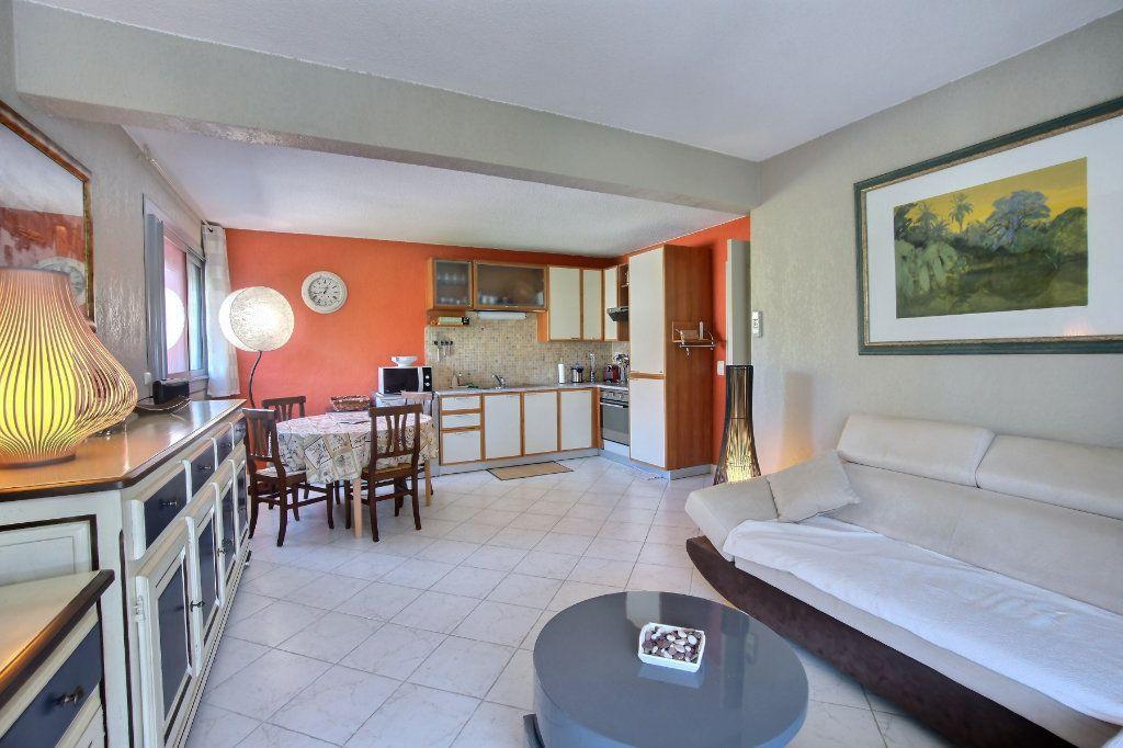 Appartement à vendre 3 60m2 à Antibes vignette-4