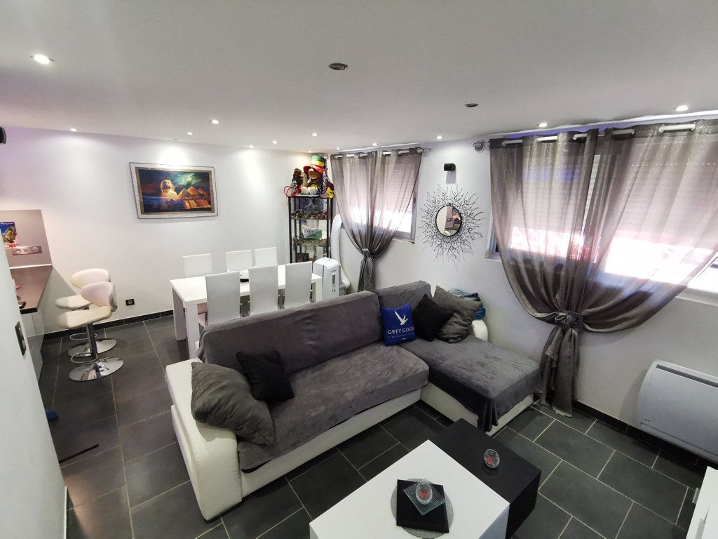 Appartement à vendre 2 48m2 à Cannes vignette-2