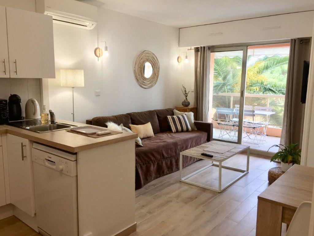 Appartement à louer 2 33m2 à Golfe Juan - Vallauris vignette-2