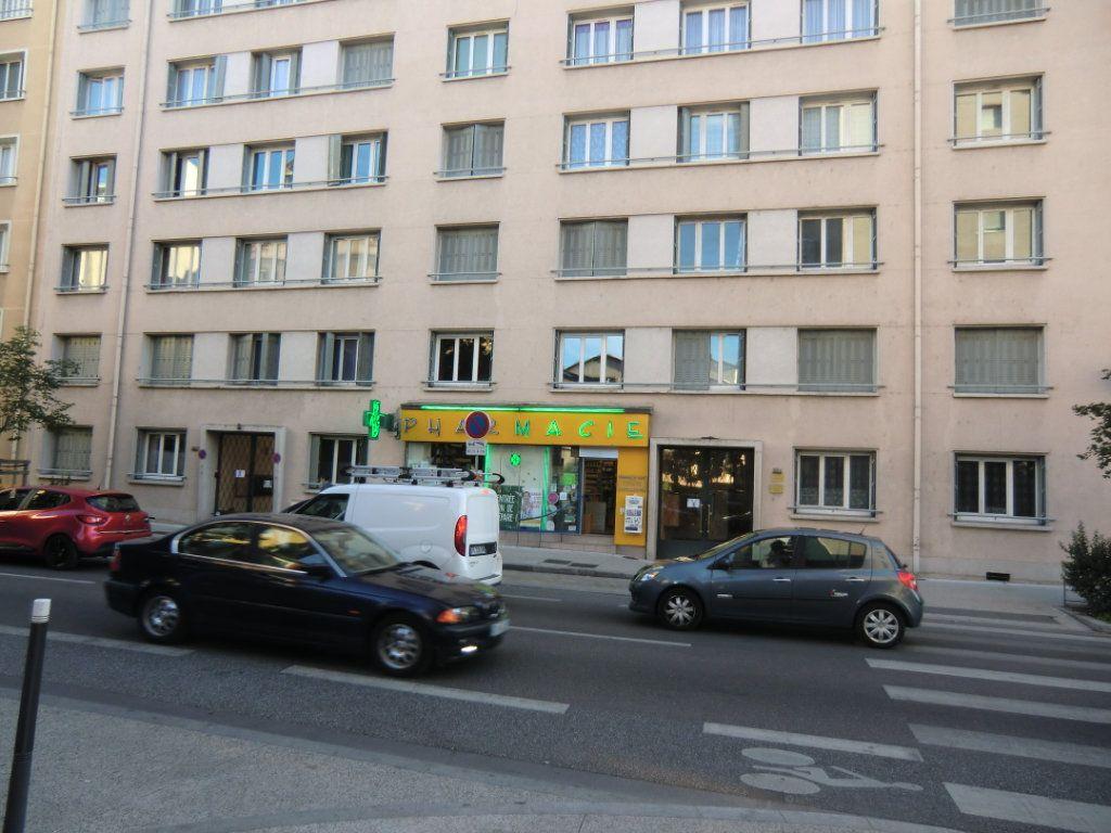 Appartement à vendre 4 78m2 à Villeurbanne vignette-1
