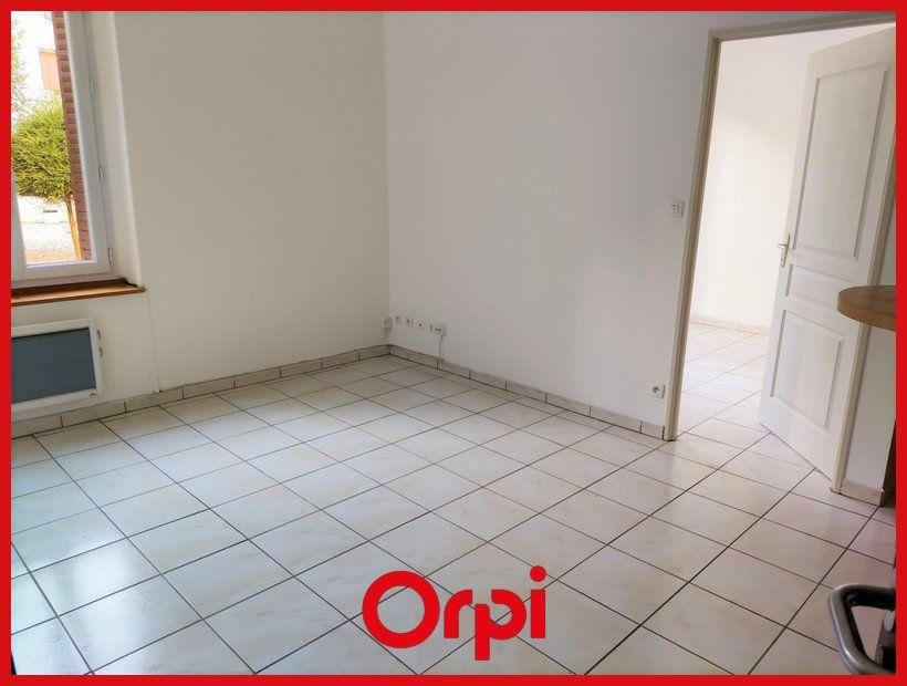 Appartement à louer 2 31.36m2 à Villeurbanne vignette-2