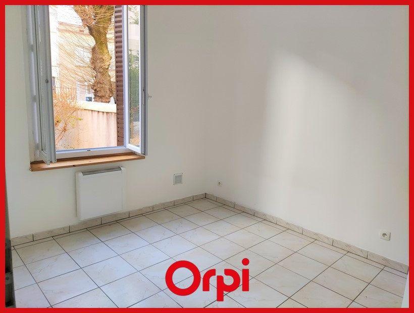 Appartement à louer 2 31.36m2 à Villeurbanne vignette-4
