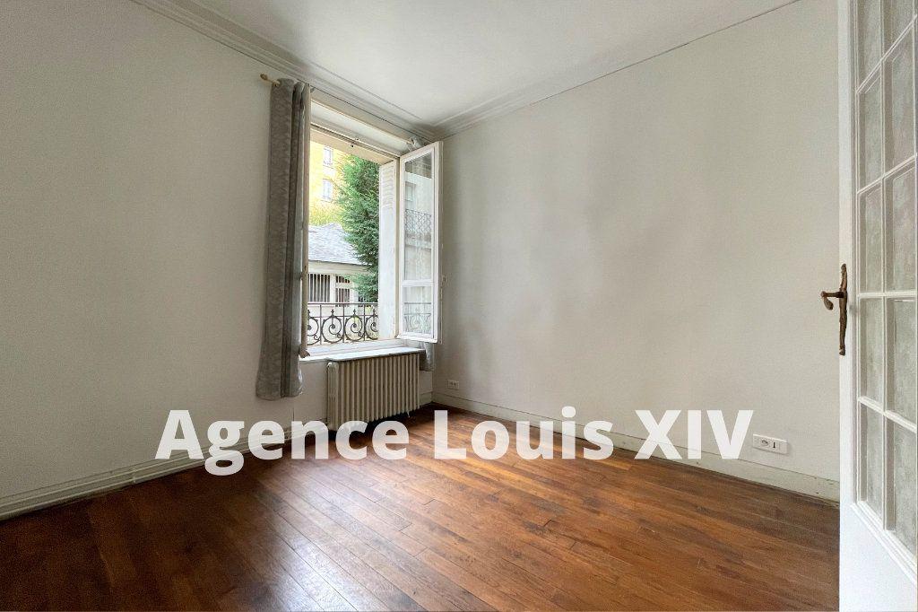 Appartement à louer 2 47m2 à Versailles vignette-3