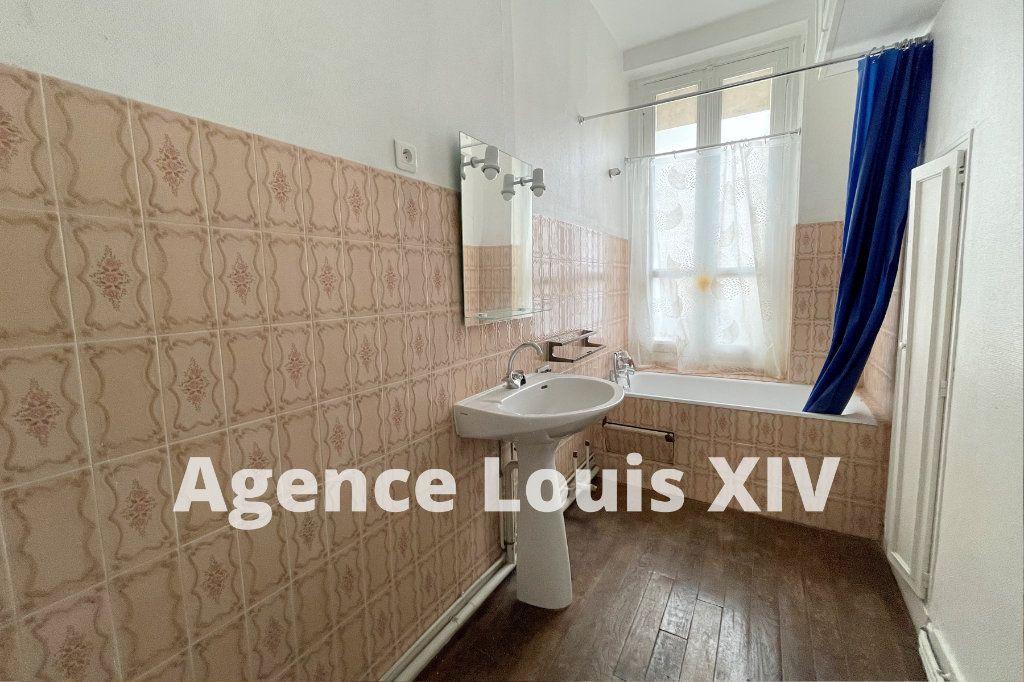 Appartement à louer 2 47m2 à Versailles vignette-5