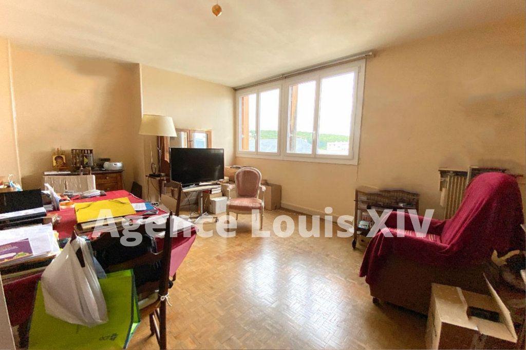 Appartement à vendre 5 100m2 à Versailles vignette-3