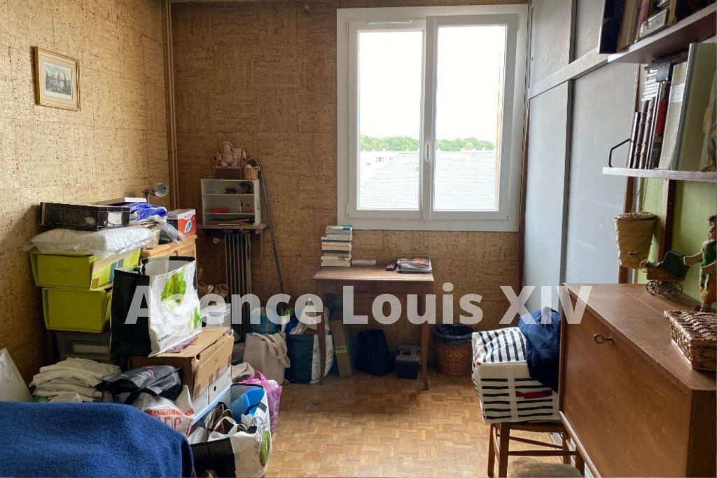 Appartement à vendre 5 100m2 à Versailles vignette-7