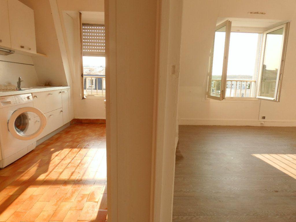 Appartement à louer 1 41m2 à Versailles vignette-1